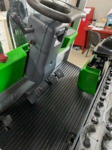 carrello-elevatore-elettrico-usato-30-quintali-sollevamento-3-metri-triplex-brindisi-taranto-lecce-puglia