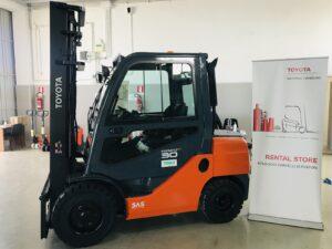 Carrello elevatore diesel idrostatico TOYOTA Tonero 30 quintali